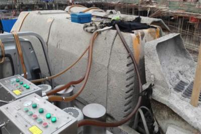 混凝土地泵液压油净化现场